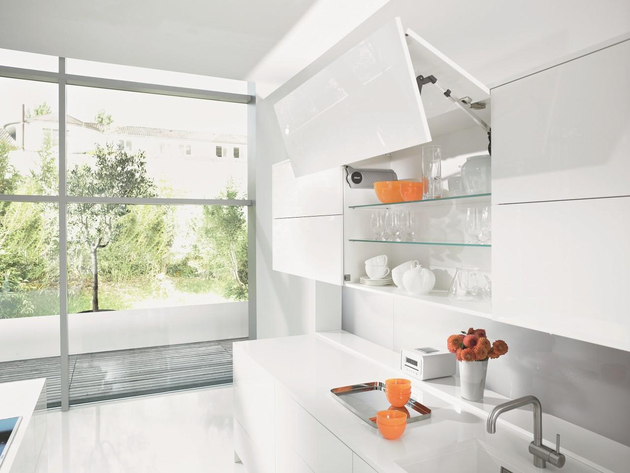 Keuken Scharnieren Blum : Blum scharnieren en geleiders de keukenkenners
